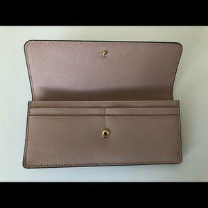 Michael Kors Bags - Michael Kors Jet Set Wallet